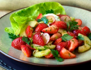 RMD_Recipes_Strawberry_and_Cucumber_Salad2